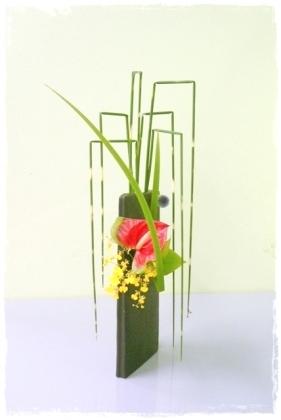 Freestyle ikebana by Junko